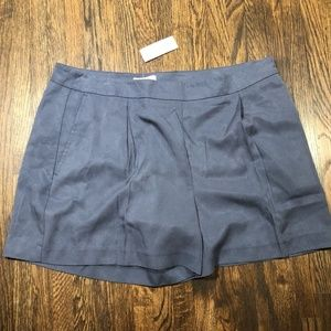 LOFT Outlet Soft Pleated Shorts Size 14